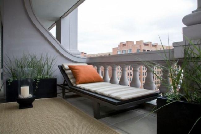 Balcony 1-min