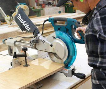 máy cắt nhôm Makita